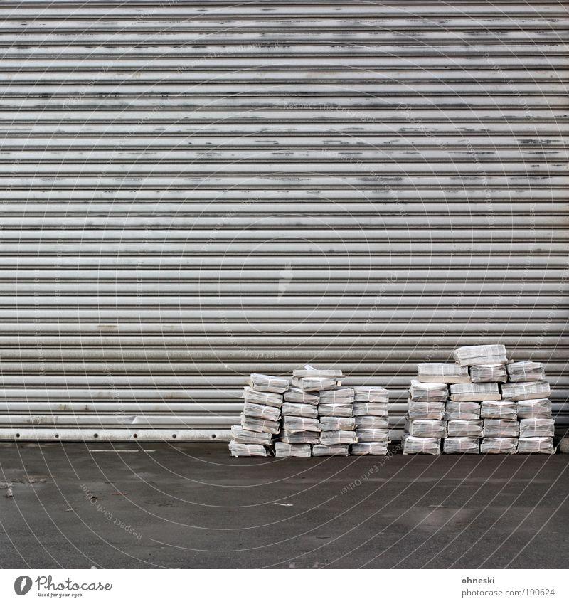 Waiting Arbeit & Erwerbstätigkeit grau abstrakt Tür Örtlichkeit Beruf Kommunizieren Güterverkehr & Logistik Bildung Information Tor Werbung Medien