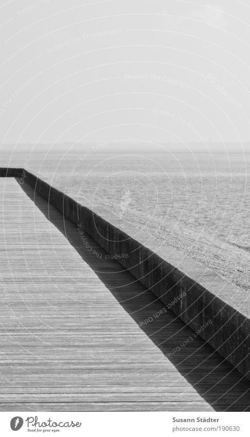 geradeaus gehts nach Sylt Wasser Strand ruhig Einsamkeit Sand Landschaft Linie Küste Wellen Erde Sauberkeit Nordsee graphisch Promenade Holzfußboden