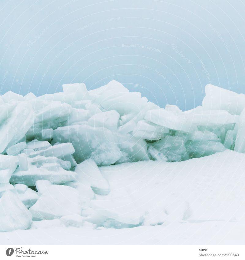 Crushed Ice Umwelt Natur Landschaft Urelemente Luft Himmel Wolkenloser Himmel Winter Klima Eis Frost Schnee Küste Ostsee authentisch eckig einfach kalt blau
