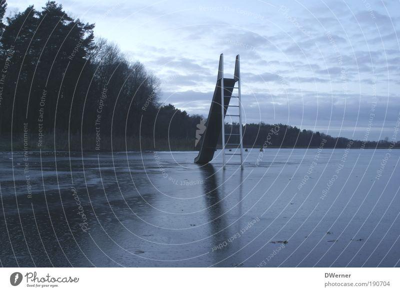 Eisrutschen Himmel Wasser Winter Einsamkeit Wolken Wald Umwelt Landschaft dunkel kalt See Kunst Angst Klima ästhetisch