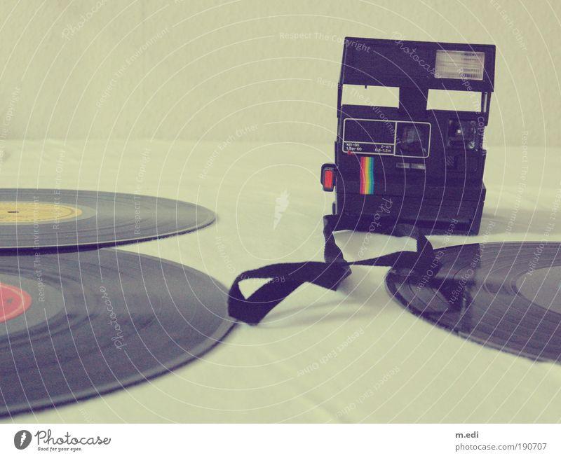 damals.... Kunst Kultur Subkultur Musik Schallplatte liegen alt retro Stil Farbfoto Innenaufnahme Polaroid Menschenleer