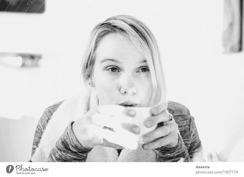 Jugendliche Junge Frau Freude Leben feminin Feste & Feiern Stil Freiheit Stimmung Freizeit & Hobby blond Fröhlichkeit Abenteuer Lebensfreude niedlich Kaffee