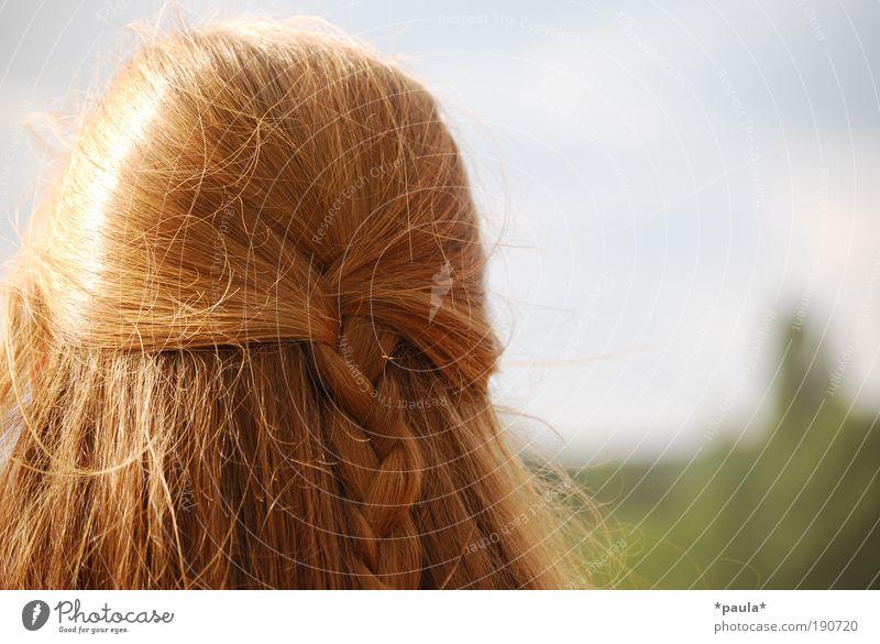 Frühling im Kopf Mensch Jugendliche schön rot Sommer Erwachsene Leben feminin Wärme Kopf Haare & Frisuren Glück träumen Zufriedenheit elegant frei