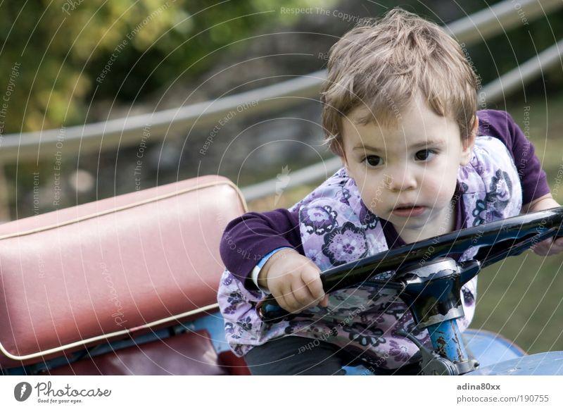 Achtung, Gefahr in Sicht! Kind Freude Spielen Bewegung klein PKW Denken Kraft Erfolg lernen Zukunft Sicherheit Macht fahren Bildung beobachten