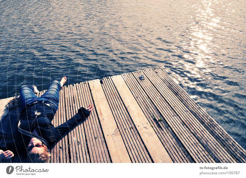 Hudson Bay Glück Wohlgefühl Zufriedenheit Erholung ruhig Meditation Sommer Sonne Sonnenbad Meer Frau Erwachsene 1 Mensch 18-30 Jahre Jugendliche Luft Wasser