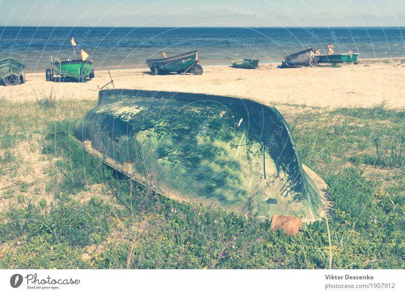 Strand der Ostsee Ferien & Urlaub & Reisen Tourismus Sommer Meer Natur Landschaft Sand Himmel Wolken Horizont Küste Wasserfahrzeug alt blau gelb grün Fischen