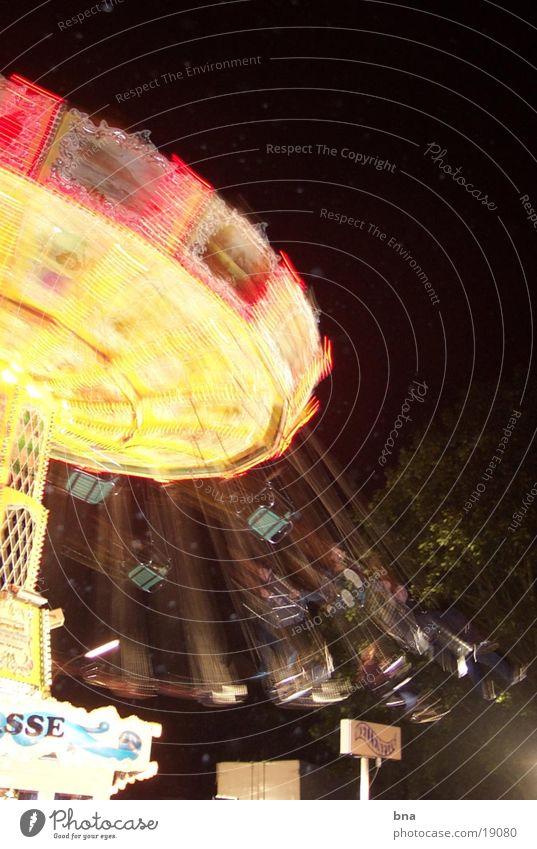 Ein Schöner Tag Jahrmarkt Kettenkarussell Nacht Licht Club Bewegung Feste & Feiern Diebels )