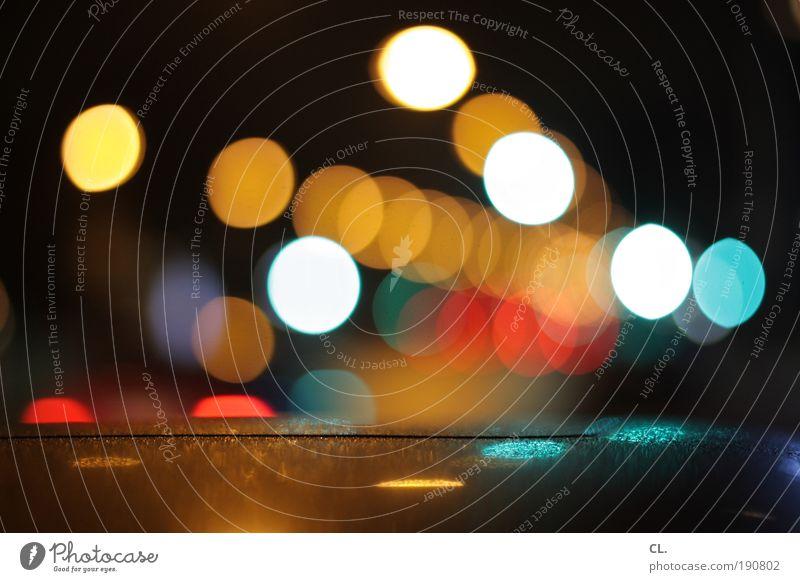 nachtlichter Nachtleben ausgehen Feste & Feiern Verkehr Verkehrsmittel Straßenverkehr Autofahren Wege & Pfade Ampel Verkehrszeichen Verkehrsschild Fahrzeug PKW