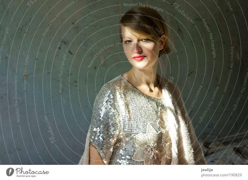 sequin girl Frau Mensch Jugendliche blau schön Erwachsene feminin Stil Mode blond elegant Lifestyle 18-30 Jahre violett Reichtum Junge Frau