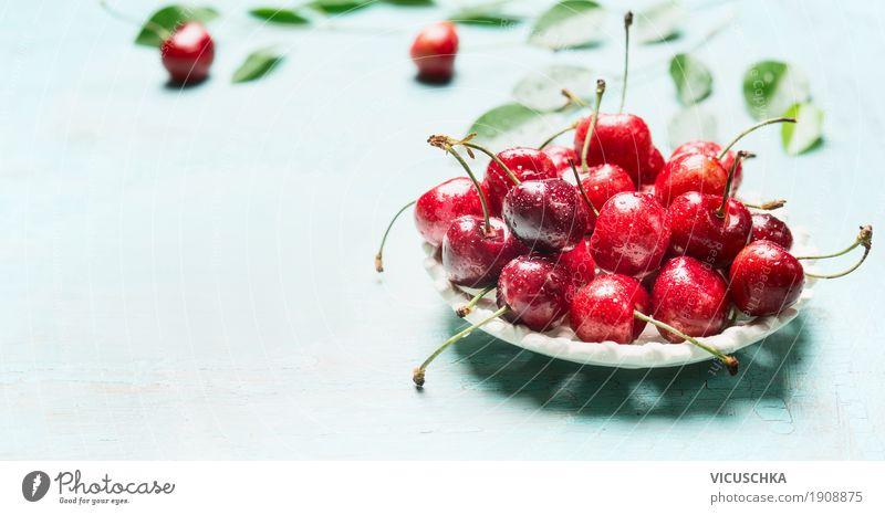 Schüssel mit frischen roten Kirschen Natur blau Sommer Gesunde Ernährung Blatt Foodfotografie Leben Essen Lifestyle Hintergrundbild Gesundheit Stil Lebensmittel