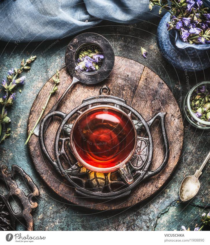 Tasse mit Kräutertee Lebensmittel Kräuter & Gewürze Ernährung Bioprodukte Getränk Heißgetränk Tee Geschirr Löffel Stil Design Gesundheit Alternativmedizin