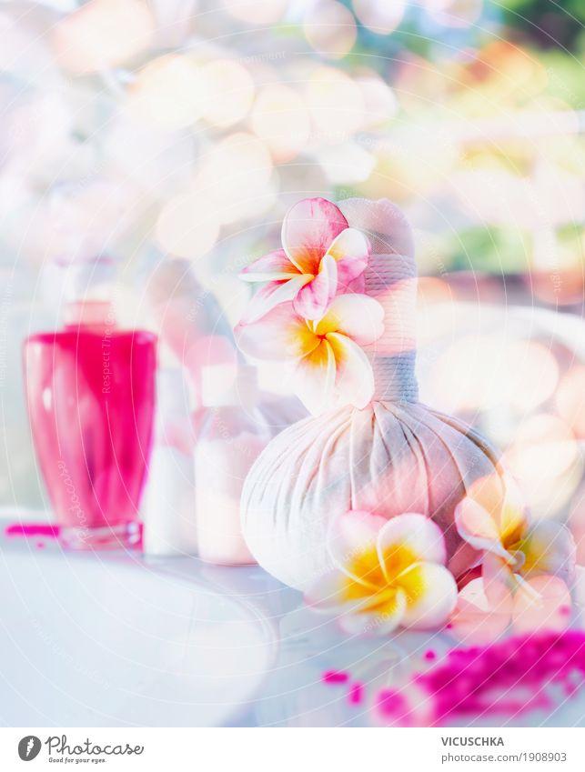 Schöne Spa- oder Wellness mit Blumen und Lotion Lifestyle Stil Design schön Körperpflege Kosmetik Creme Gesundheit Wohlgefühl Erholung Massage Sommer Natur