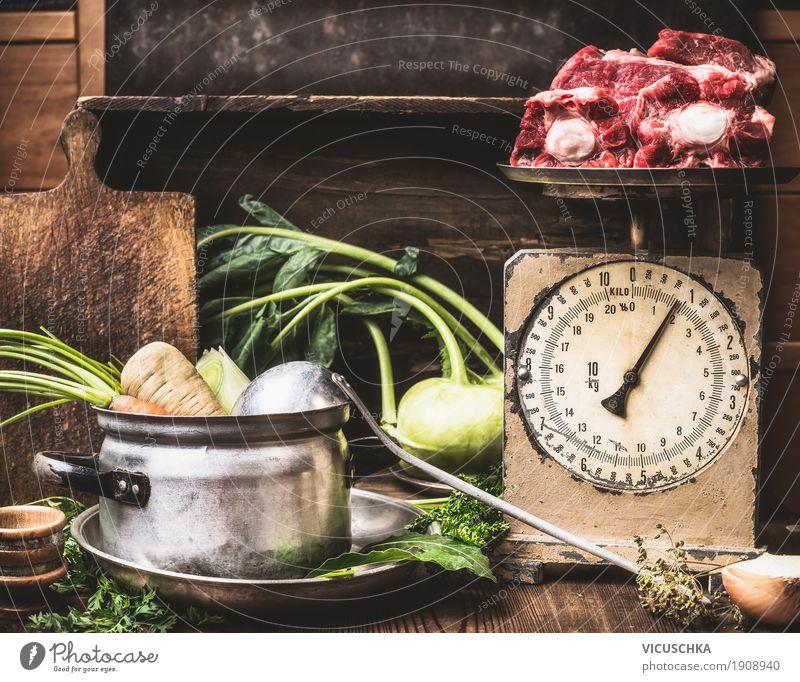 Küchentisch mit Kochtopf, Gemüse , alte Waage und SuppenFleisch Foodfotografie Stil Lebensmittel Design Häusliches Leben Ernährung Tisch Kräuter & Gewürze