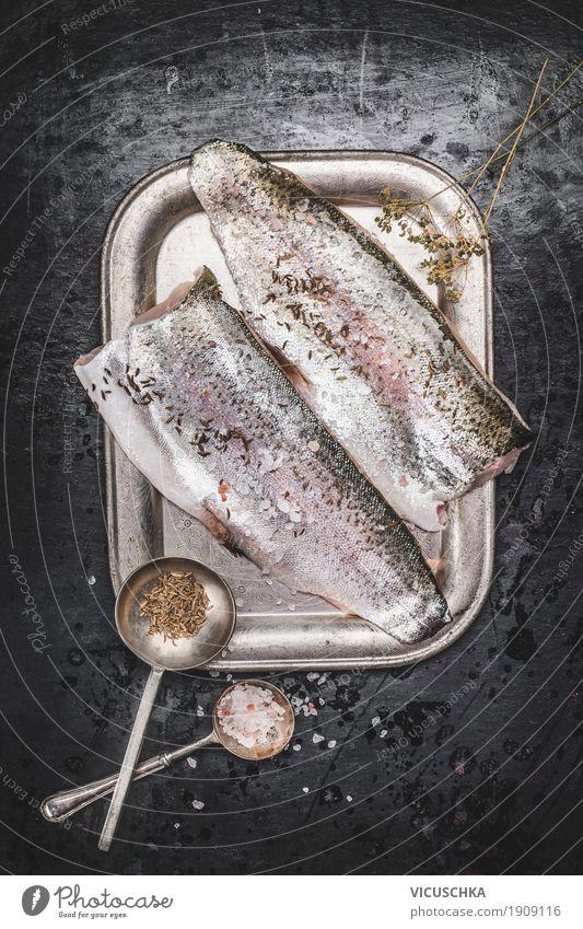 Forelle Fischfilet mit Fenchelsamen und Salz Lebensmittel Kräuter & Gewürze Ernährung Abendessen Bioprodukte Vegetarische Ernährung Diät Geschirr Löffel Stil