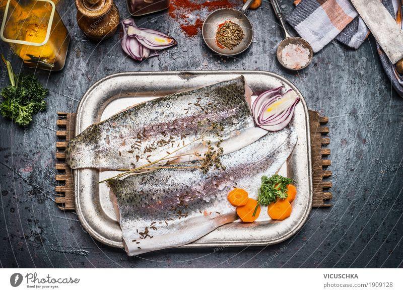 Fischfilet Vorbereitung mit Gemüse, Fenchelsamen und Gewürze Lebensmittel Kräuter & Gewürze Öl Ernährung Mittagessen Abendessen Bioprodukte