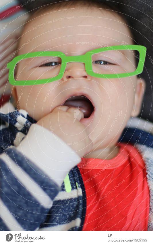 Mensch Kind Freude Gesicht Leben Lifestyle Feste & Feiern Party Freizeit & Hobby Dekoration & Verzierung Kindheit Geburtstag Fröhlichkeit Baby Brille Bildung