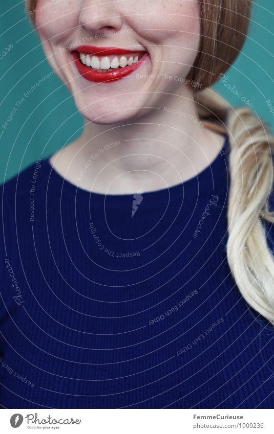 Emotion_02 Mensch Frau Jugendliche blau Junge Frau 18-30 Jahre Erwachsene feminin lachen Glück 13-18 Jahre blond Fröhlichkeit Lächeln Zähne T-Shirt