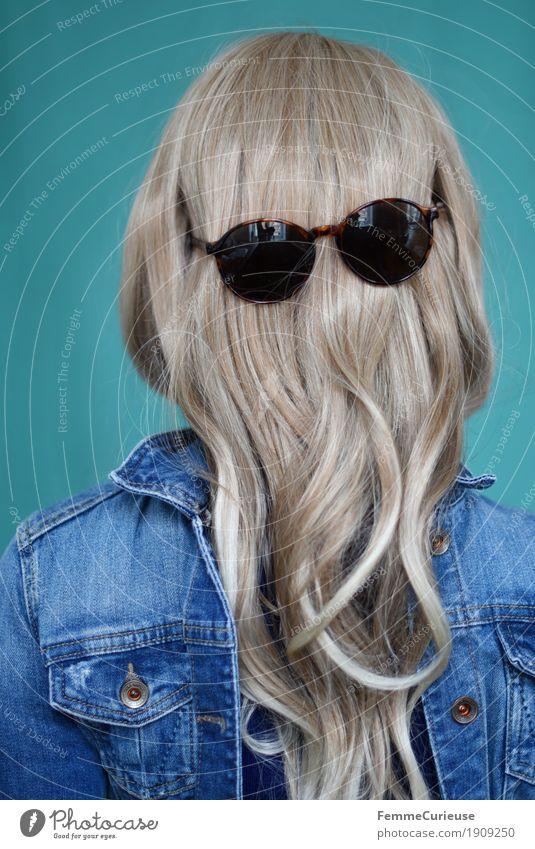 Haare_06 Mensch Frau Jugendliche Junge Frau 18-30 Jahre Gesicht Erwachsene lustig feminin Haare & Frisuren glänzend 13-18 Jahre blond geheimnisvoll türkis