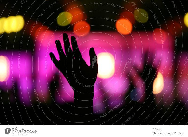 +++PUT YOUR HANDS UP IN THE AIR+++ Hand schwarz Gefühle Stimmung Musik Arme authentisch Finger Licht abstrakt Lichttechnik Konzert Veranstaltung Bühne Gebet