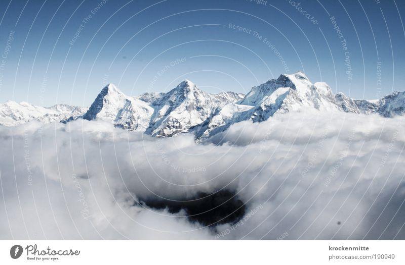 Bergschlund Natur Landschaft Himmel Winter Klima Schnee Felsen Alpen Berge u. Gebirge Gipfel Schneebedeckte Gipfel kalt standhaft Eiger Mönch (Berg)