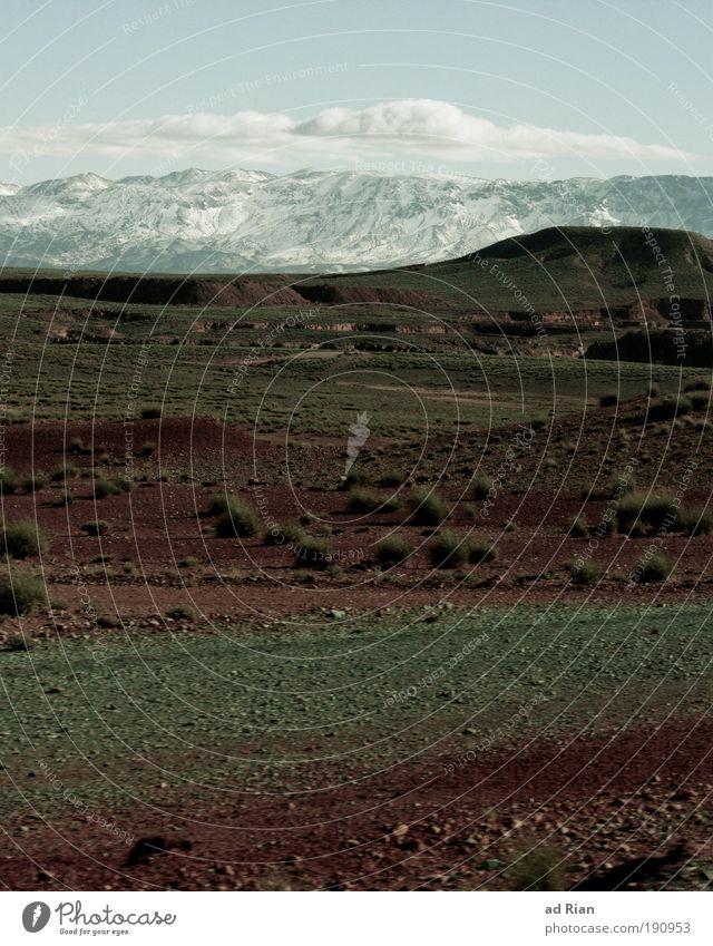 atlas Umwelt Natur Landschaft Erde Sand Luft Himmel Wolken Horizont Winter Schönes Wetter Eis Frost Schnee Wärme Schneebedeckte Gipfel Atlas Marokko Straße