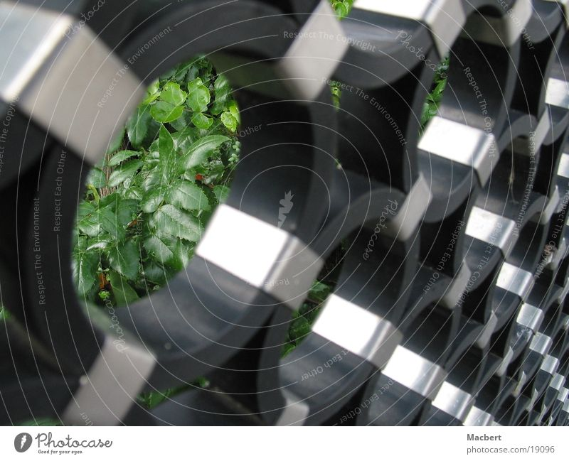 Ringe diagonal schwarz Industrie Kreis rund Zaun silber