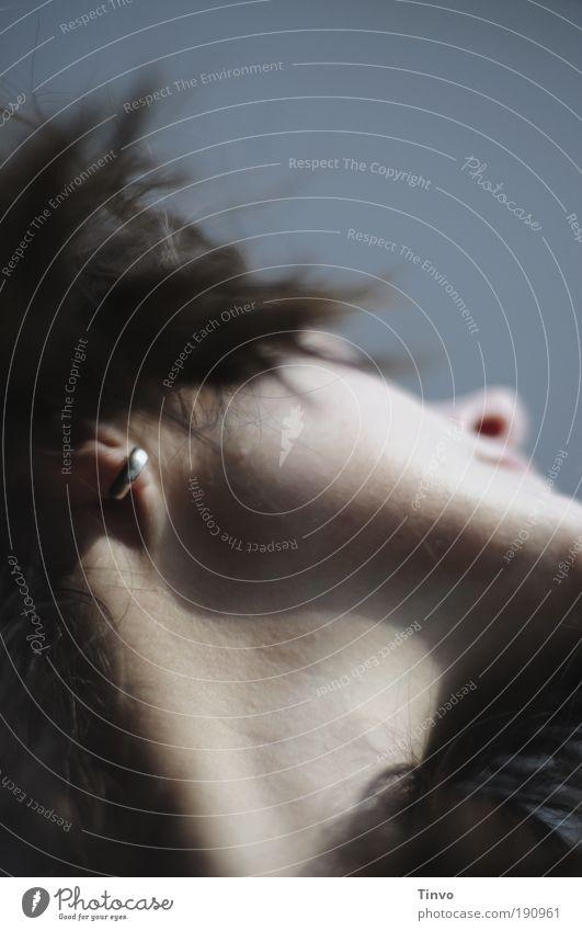 Der Sonne entgegen Gesicht feminin Gefühle Bewegung Glück Haare & Frisuren Kopf Zufriedenheit Stimmung Nase wild Lebensfreude Leidenschaft Sonnenenergie