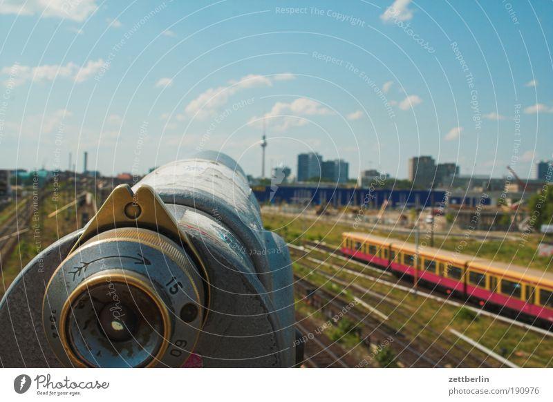 Fernrohr Himmel Stadt Sommer Ferne Berlin Verkehr Eisenbahn Perspektive Güterverkehr & Logistik Aussicht Gleise Skyline Bahnhof zielen Personenverkehr