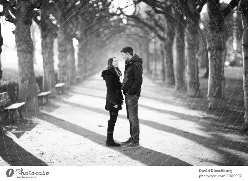 Liebesglück II Mensch Natur Jugendliche Junge Frau Junger Mann Winter 18-30 Jahre Erwachsene Herbst Frühling feminin Glück Paar Zusammensein Park
