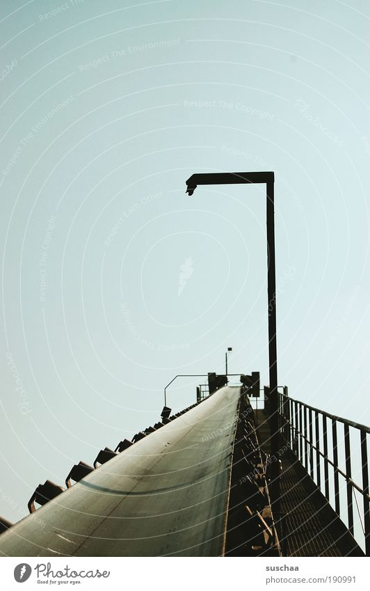 sich befördern lassen Himmel Sand Metall Perspektive Technik & Technologie Güterverkehr & Logistik Maschine Kies Umwelt Förderband Baggersee Kiesgrube