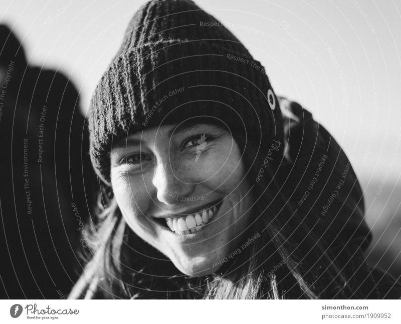 Emotion Freizeit & Hobby Student feminin 1 Mensch Mütze Freude Glück Fröhlichkeit Zufriedenheit Lebensfreude Begeisterung loyal Warmherzigkeit Sympathie