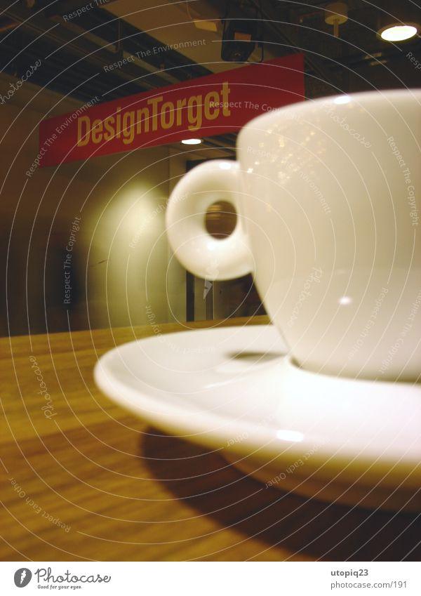 Design Torget Holz Schilder & Markierungen Tisch Kaffee Küche Skandinavien Café Geschirr Tasse Schweden Anschnitt Espresso Makroaufnahme Keramik Stockholm