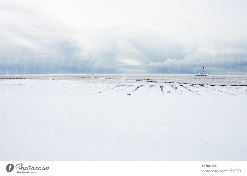 Leuchtturm im weißen Meer Natur Landschaft Himmel Winter Eis Frost Schnee Küste Strand Nordsee Unendlichkeit Einsamkeit Horizont kalt Umwelt Ferne Farbfoto