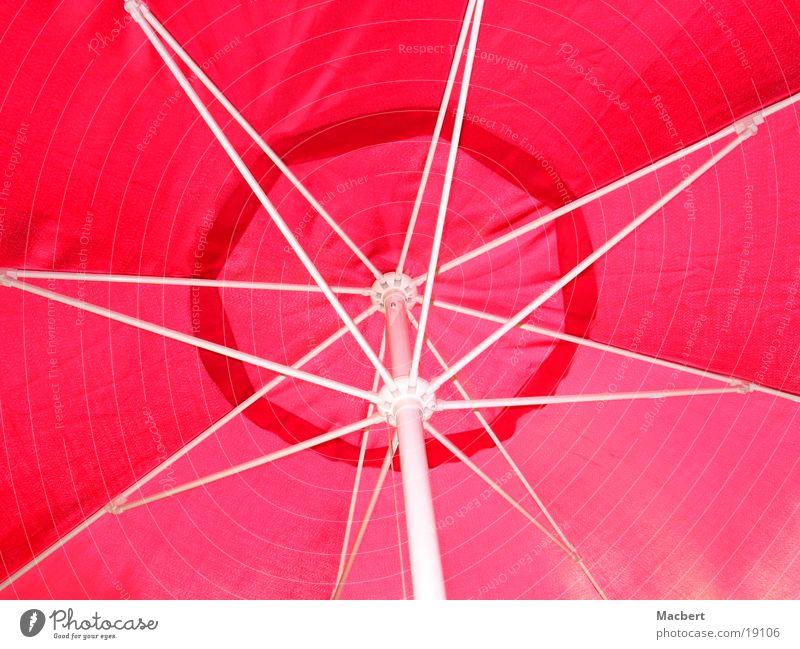 Schirm rot/weiß Sonnenschirm rund Freizeit & Hobby Gestänge aufgespannt
