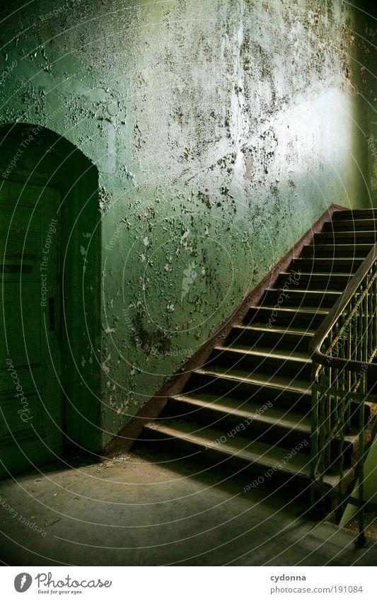 Hinauf ruhig Einsamkeit Farbe Leben Wand Stil träumen Mauer Raum Tür Design elegant Zeit Treppe Wandel & Veränderung Bildung