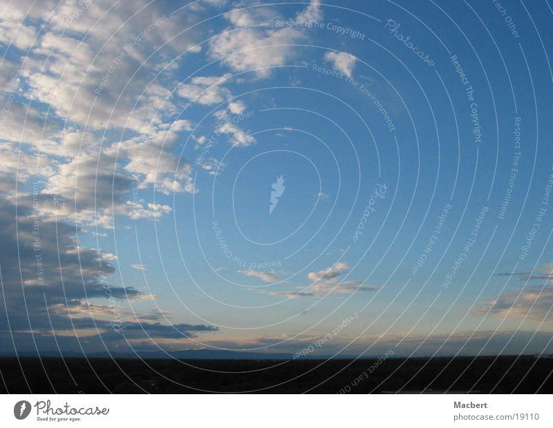 Wolken 2 Horizont Himmel blau Ferne Wind