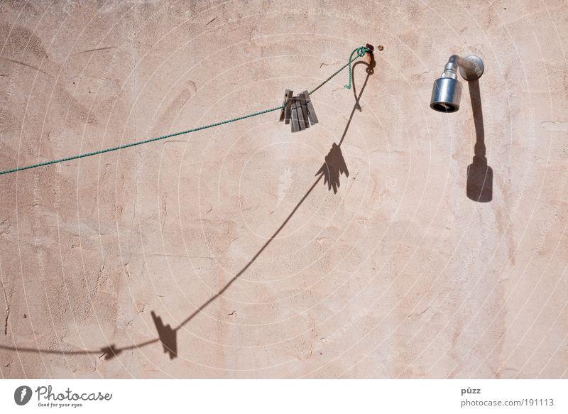 Dusche schön Erholung Wand braun Bad Wellness Dusche (Installation) beige Wäscheleine Schattenspiel Wäscheklammern Duschkopf