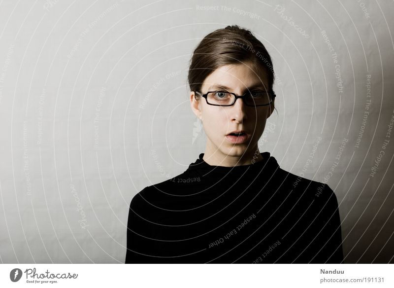 huch Frau Mensch feminin grau Erwachsene Beruf Überraschung Spießer nerdig Büroangestellte Brillenträger