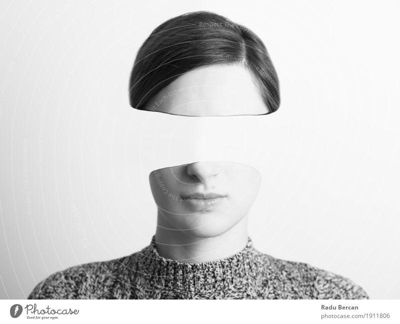 Schwarzweiss-Frauen-Portrait des Identitäts-Diebstahl-Konzeptes Mensch Jugendliche Junge Frau weiß 18-30 Jahre schwarz Gesicht Erwachsene Gefühle feminin Kopf