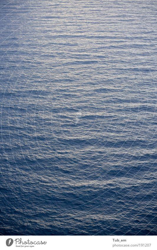 Wasser Meer blau Ferien & Urlaub & Reisen ruhig Einsamkeit Ferne Erholung Freiheit Landschaft Zufriedenheit Wellen Wind Hoffnung trist Unendlichkeit