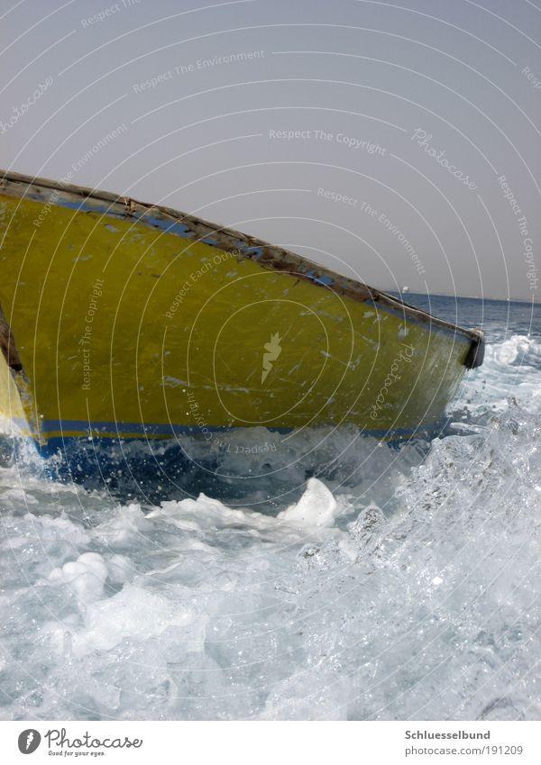 yellow boat Himmel Wasser weiß schön blau Sommer Meer Ferien & Urlaub & Reisen Ferne gelb Freiheit Wellen Horizont nass Ausflug Wassertropfen
