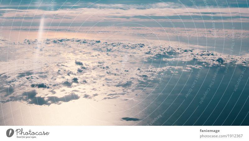 Über den Wolken.. Umwelt Natur Himmel Sonnenlicht Winter Klima Wetter Schönes Wetter fliegen über den Wolken Mittelmeer rosarote Brille Wellen träumen traumhaft