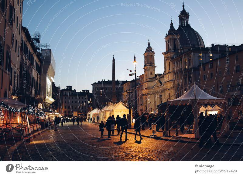 Piazza Navona Stadt Hauptstadt Stadtzentrum Altstadt Gefühle Stimmung Rom Italien Nachtleben Nachthimmel Kuppeldach Religion & Glaube Platz Straße