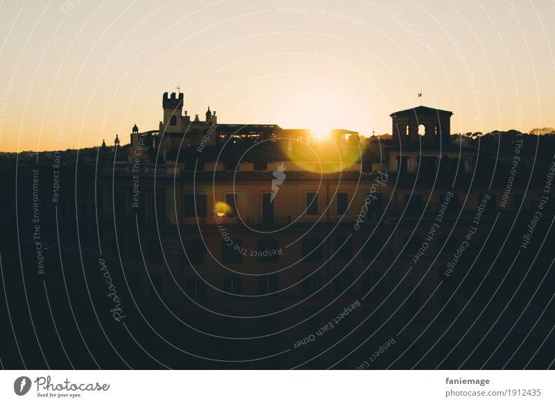 Roma VII Stadt Hauptstadt Stadtzentrum Altstadt alt heiß schön Italienisch Romantik Dach Skyline Turm Kreis Lichtkreis Lichtpunkt Abendsonne Abenddämmerung