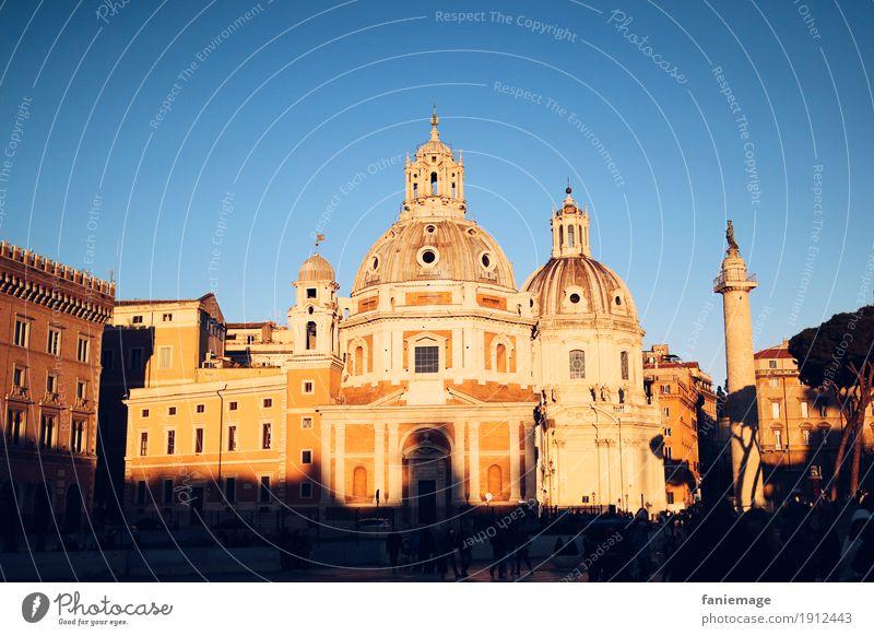 Santa Maria di Loreto Stadt Hauptstadt Stadtzentrum Altstadt Kirche Gefühle Stimmung Piazza Venezia trajans säule Säule Rom Italien Abendsonne Abenddämmerung