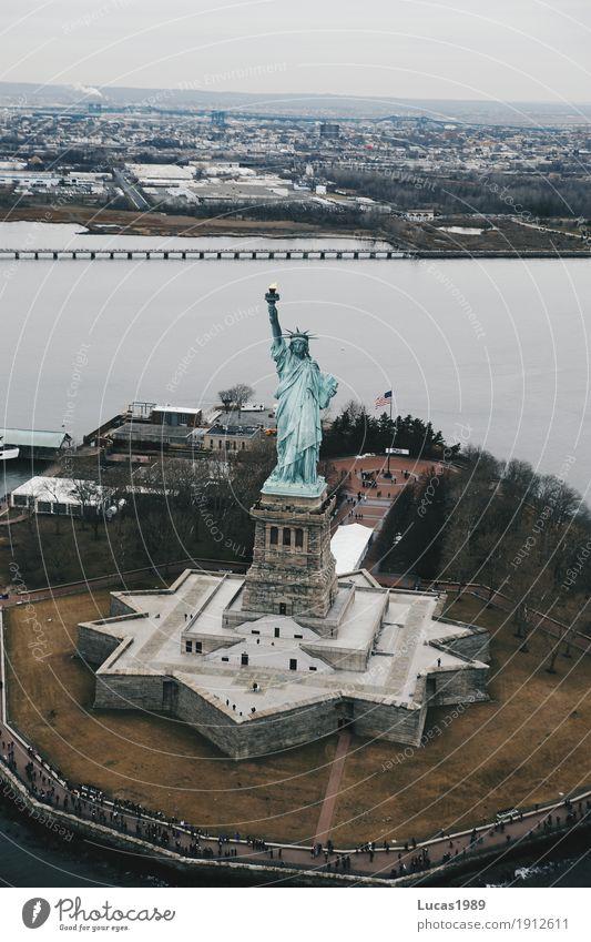 New York City - Statue of Liberty Ferien & Urlaub & Reisen Tourismus Ausflug Ferne Freiheit Sightseeing Städtereise Manhattan New Jersey USA Bauwerk Gebäude