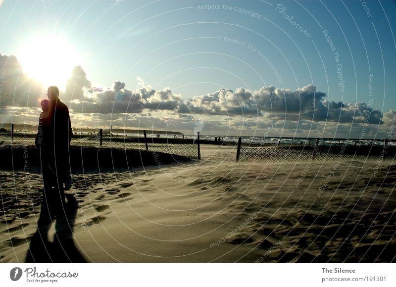 footsteps in the sand Mensch Himmel Ferien & Urlaub & Reisen Meer Strand Wolken Erwachsene Erholung Landschaft Leben Glück Paar Zusammensein gehen Wellen Wind