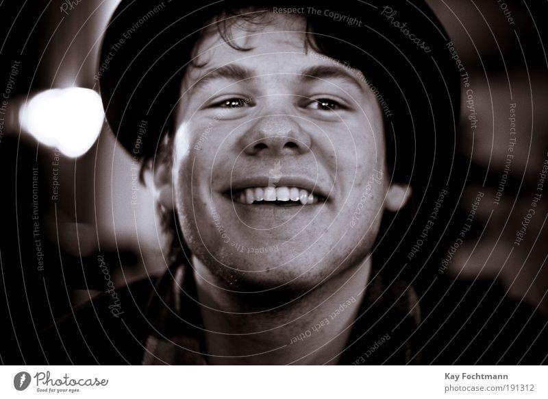 . Stil Bar Cocktailbar Mensch maskulin Junger Mann Jugendliche Kopf Gesicht Mund Lippen Zähne 1 18-30 Jahre Erwachsene Hut Feste & Feiern Blick Erfolg