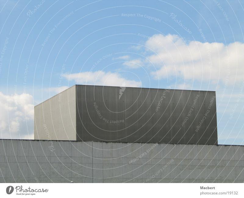 Kubus Himmel blau Wolken grau Metall Architektur hoch gut Quadrat praktisch