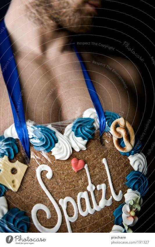 wtf is SPATZL! Mensch Mann Freude Erwachsene Liebe Glück maskulin Kitsch Brust Lebensfreude Bart Backwaren muskulös Lebkuchen Süßwaren herzförmig